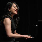 Zee Zee, piano